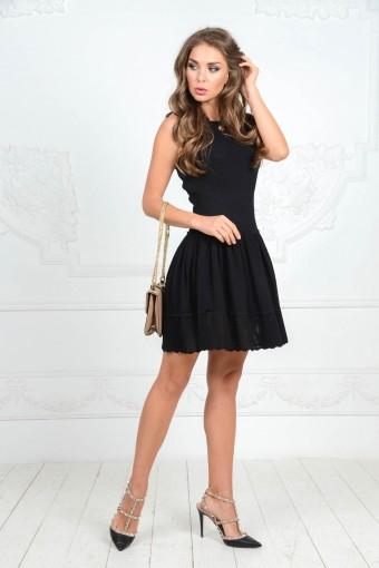 Чёрное вязаное платье