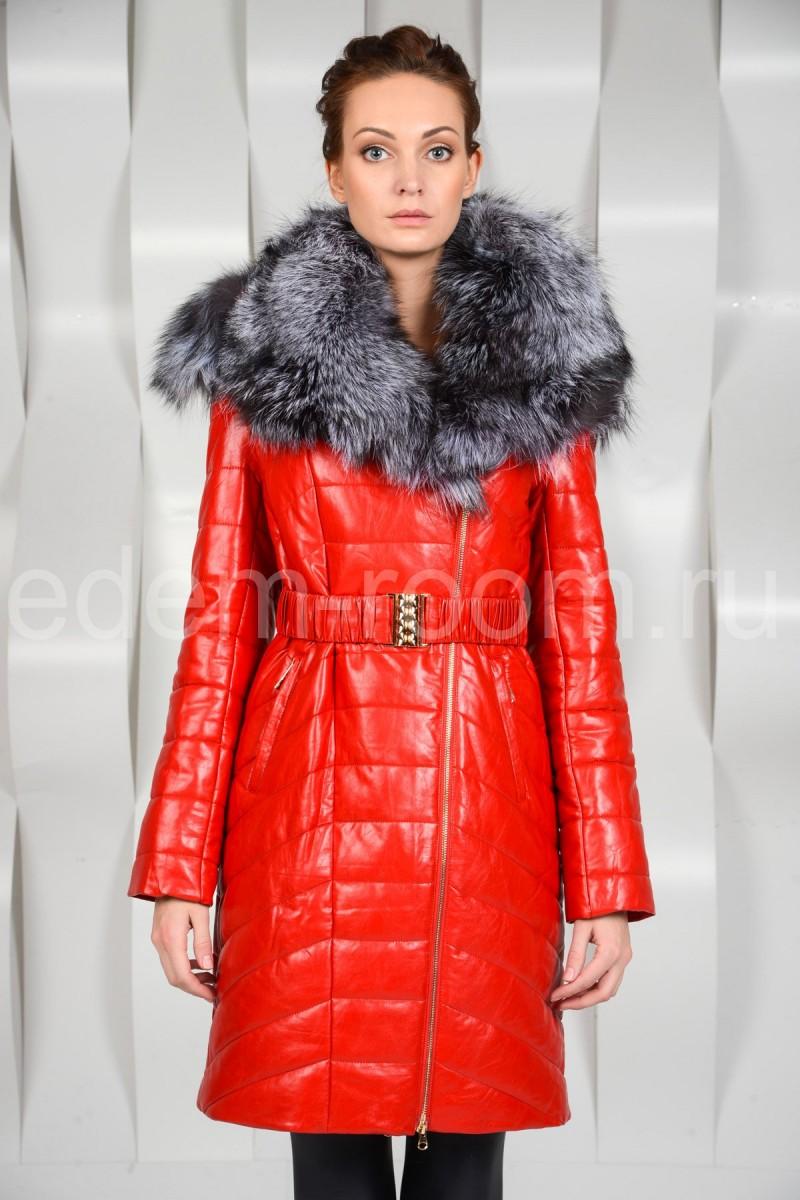 Красное пальто из экокожи