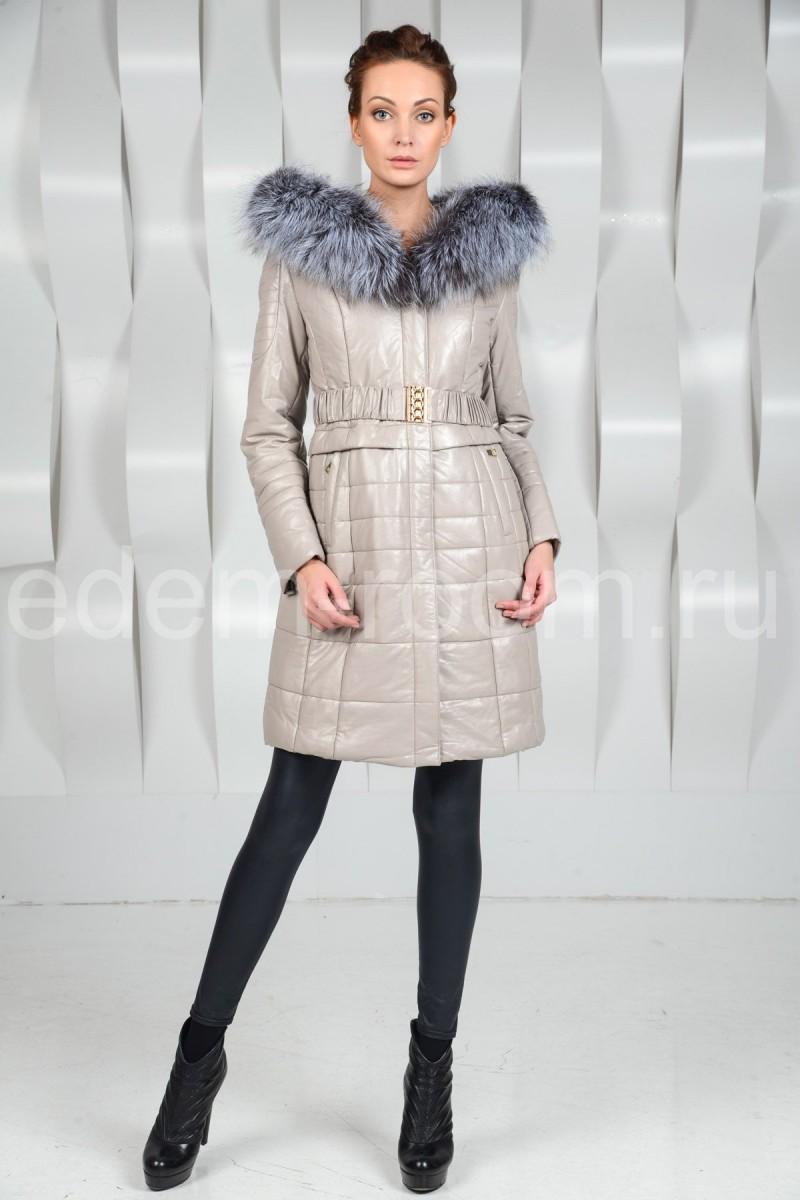 Женское пальто из экокожи с мехом чернобурки