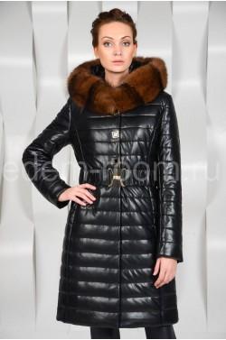Модное пальто из экокожи