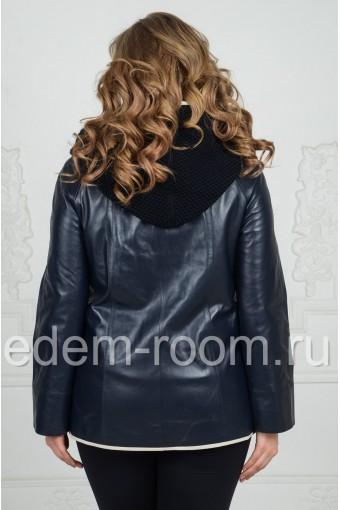 Кожаная куртка на большие размеры с капюшоном