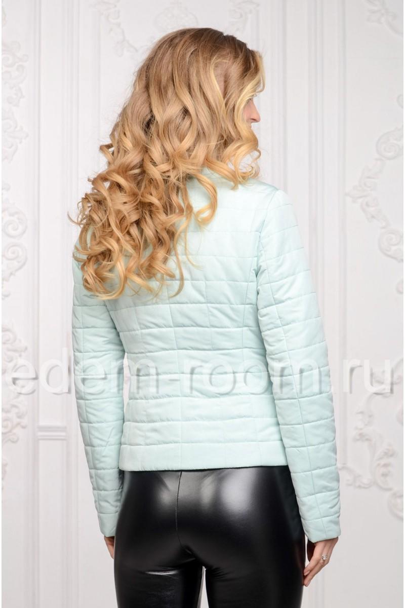 Облегчённая женская куртка для весны и ранней осени