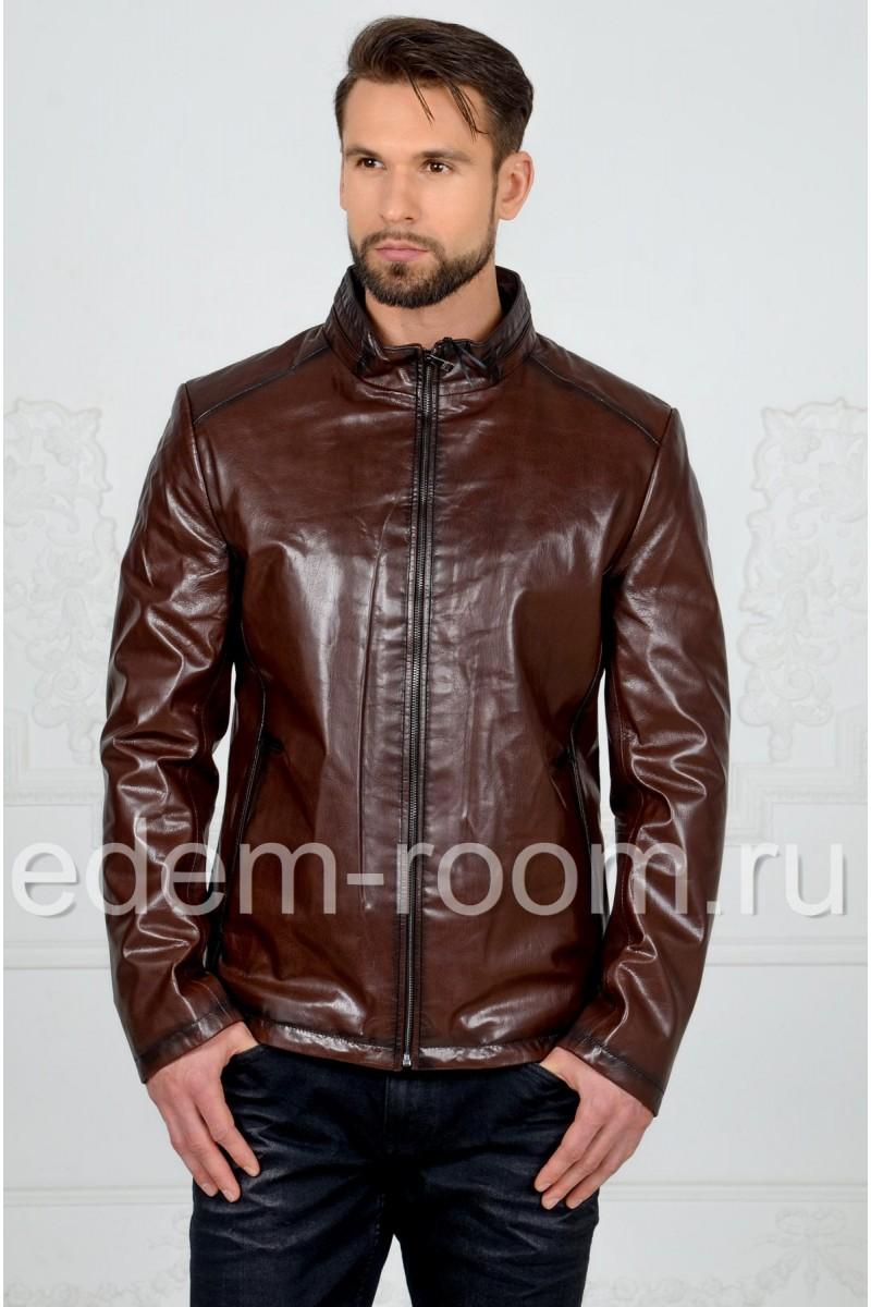 Коричневая мужская куртка их кожи