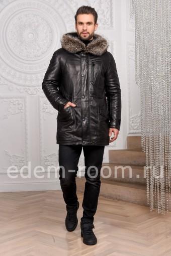 Кожаная куртка с мехом енота