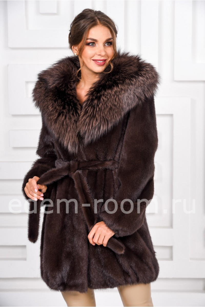 Норковая шуба с капюшоном из меха лисы