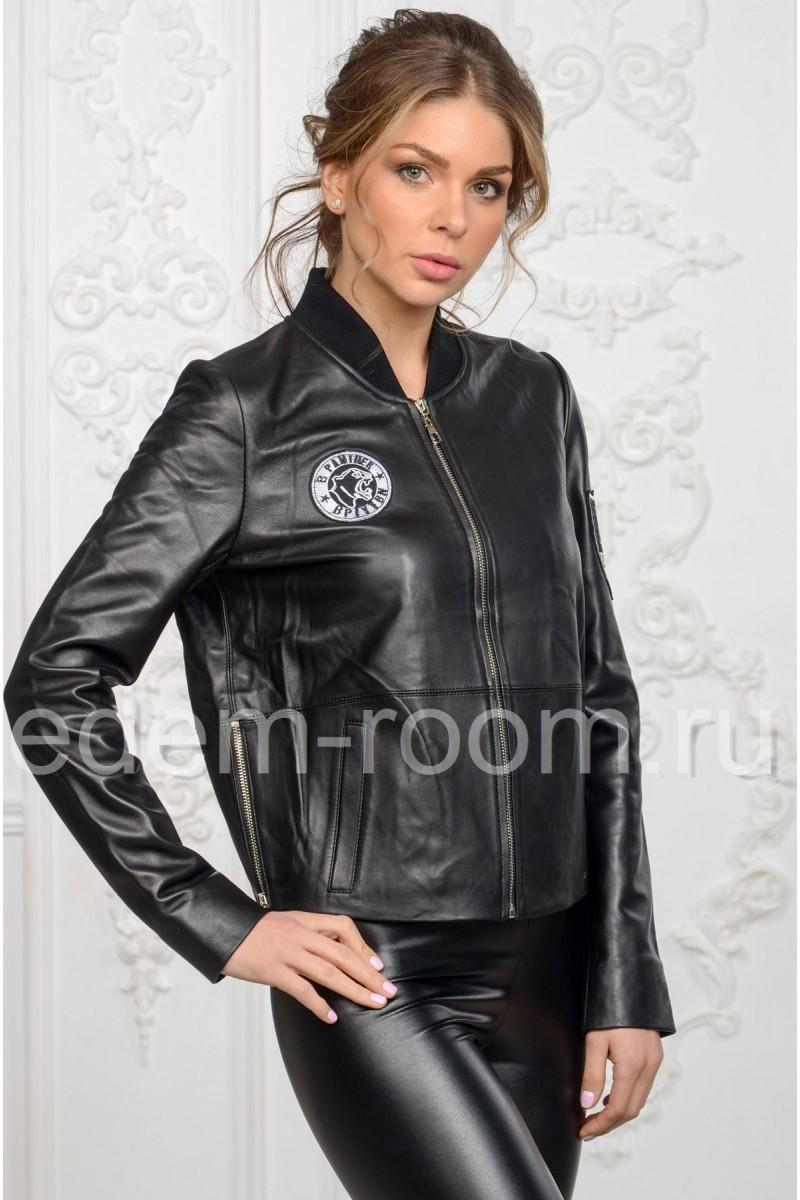 Молодежная женская кожаная куртка весенняя