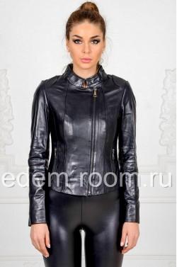 Чёрная кожаная куртка для девушек