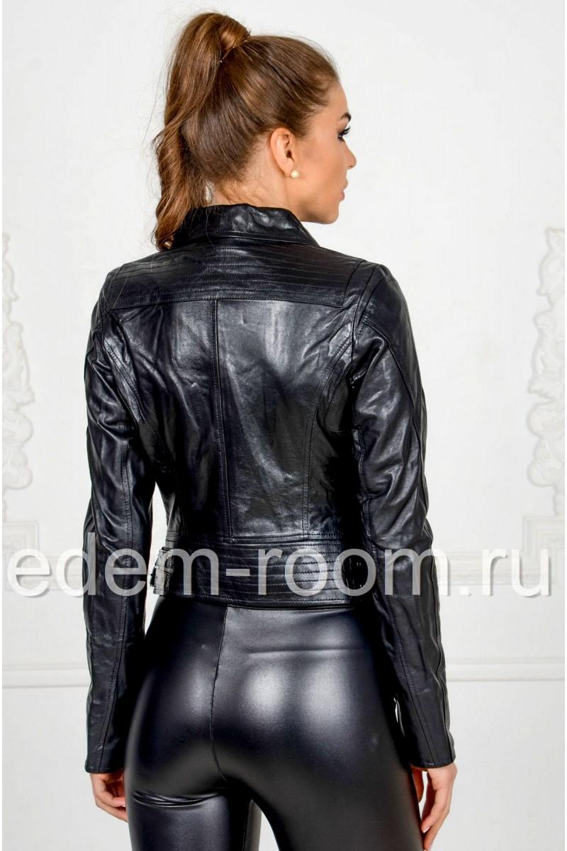 Женская кожаная куртка с молниями