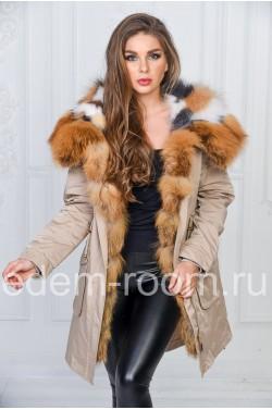 Женская парка с мехом лисы