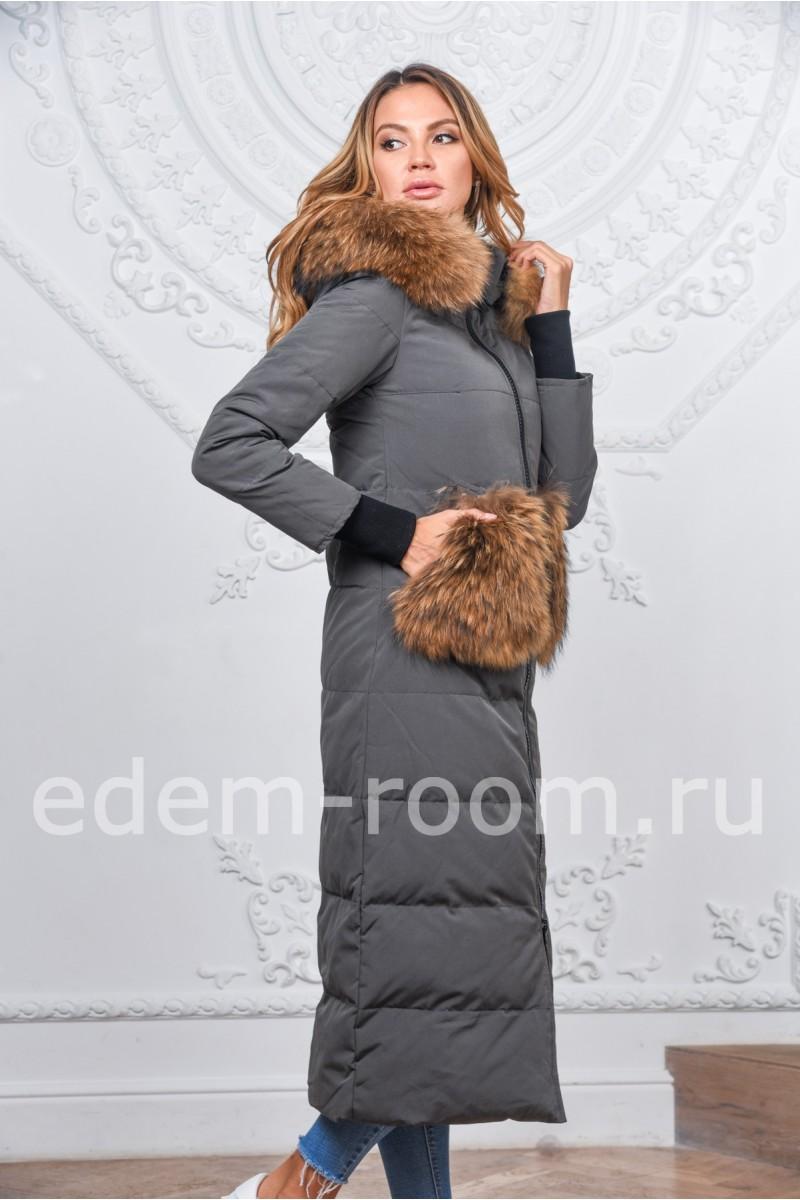 Удлинённый женский пуховик с мехом