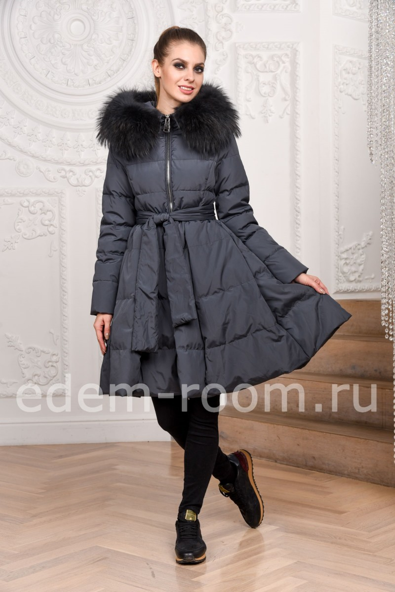 Красивое пальто на пуху
