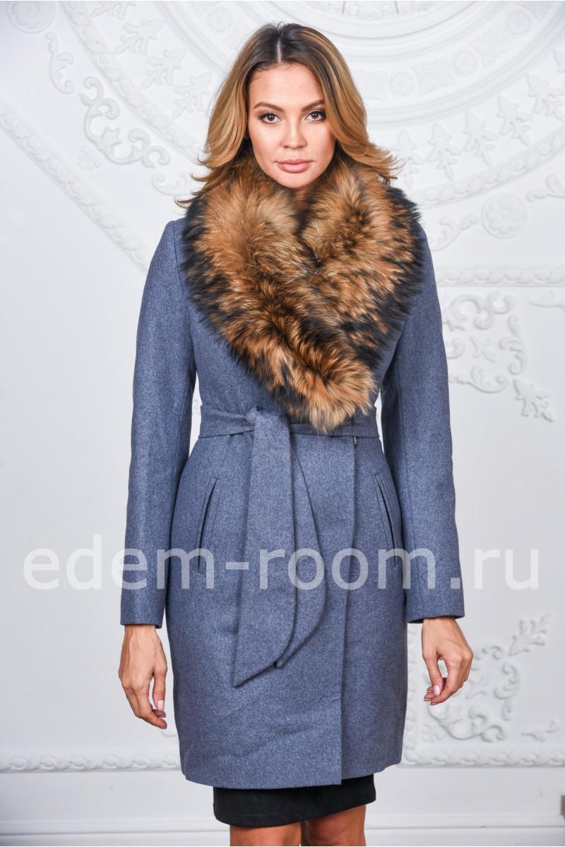 682c70a52412 Зимнее пальто с меховым воротником