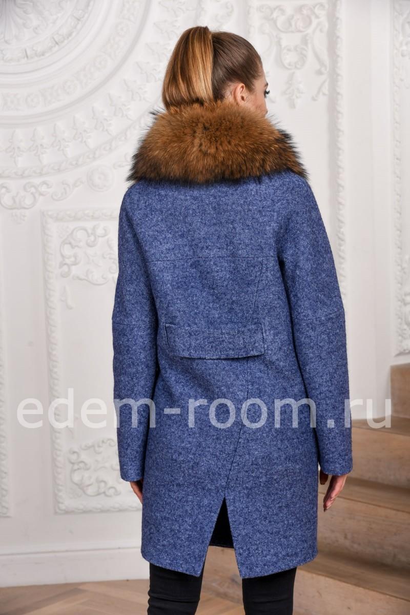 Зимнее пальто с мехом енота