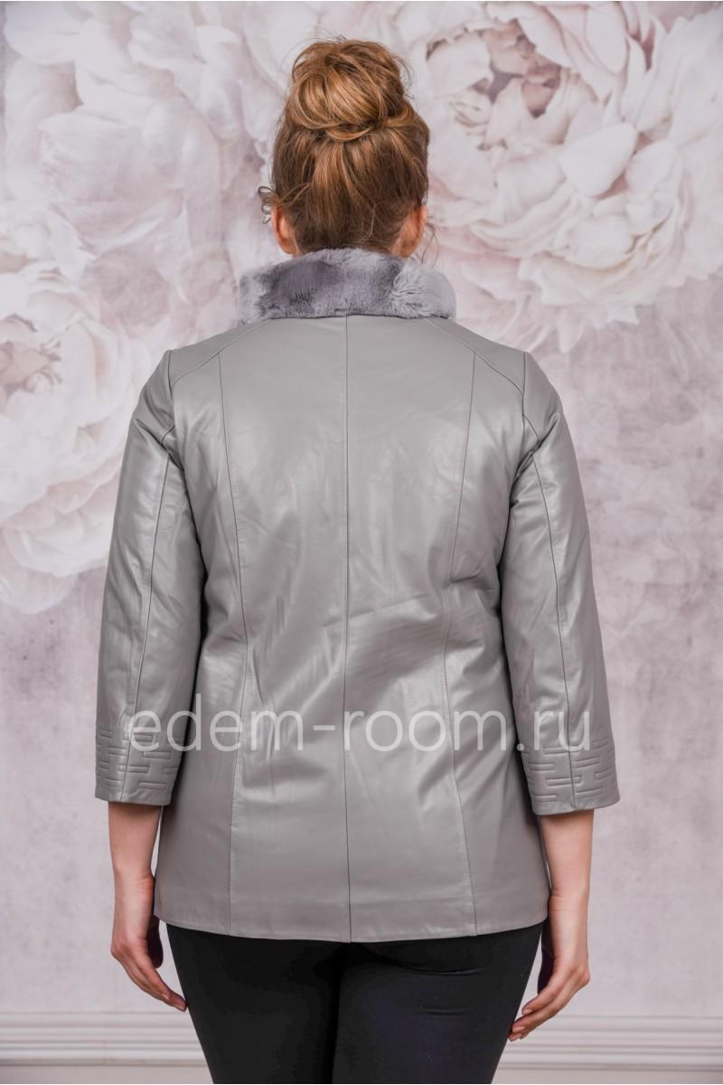 Демисезонная куртка серого цвета