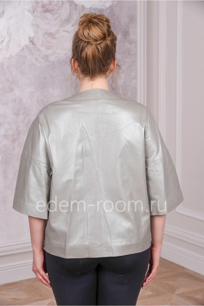 Кожаная куртка с укороченными руковами