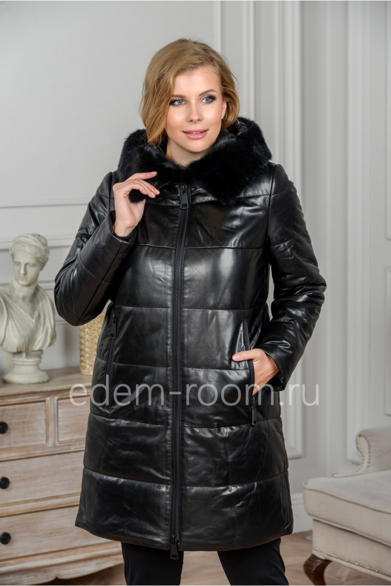Женская теплая куртка с капюшоном