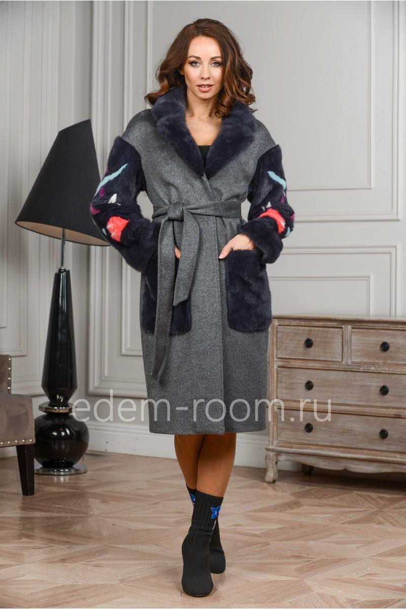 Осенне-весеннее пальто с меховыми рукавами