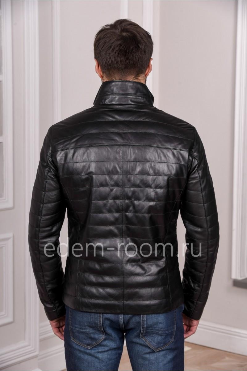 Мужская кожаная черная куртка на молнии