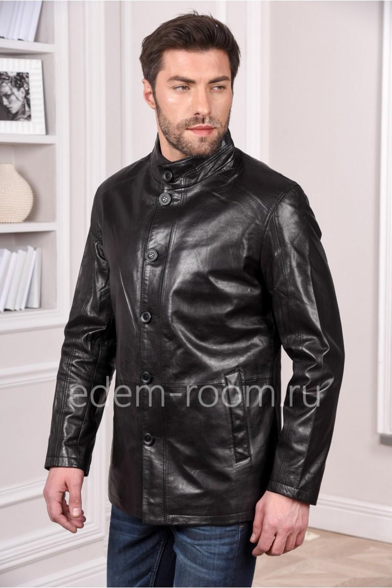 Мужская кожаная куртка черного цвета с пуговицами