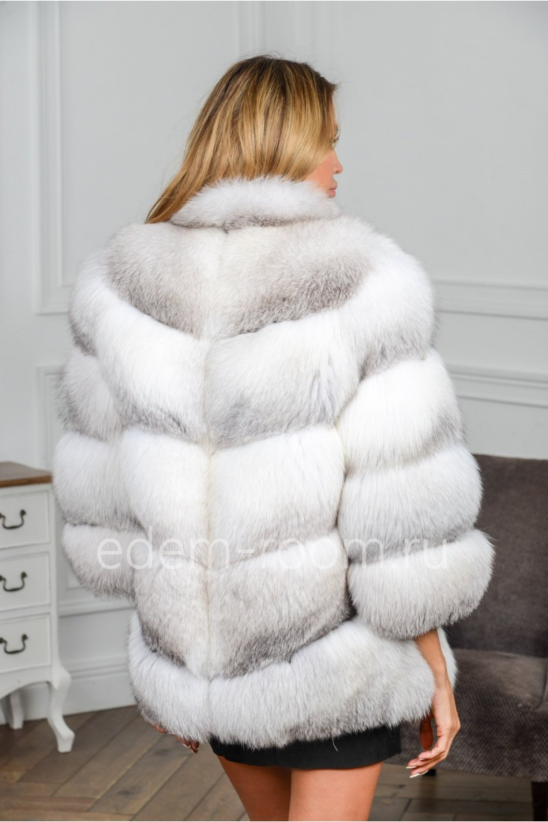 Шуба из белой арктической лисы
