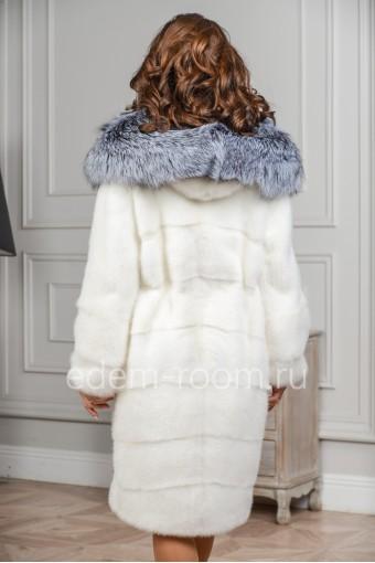 Белая норковая шуба с капюшоном из чернобурки