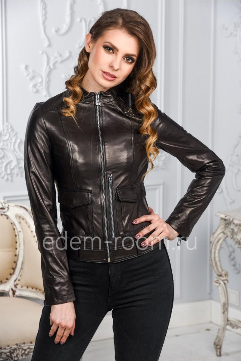 Женская кожаная куртка с накладными карманами