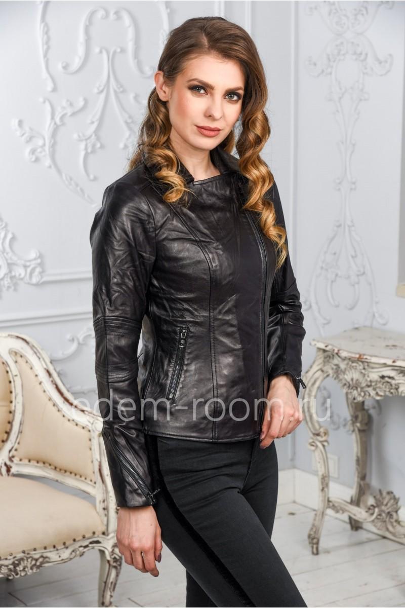 Женская кожаная куртка из натуральной кожи черного цвета