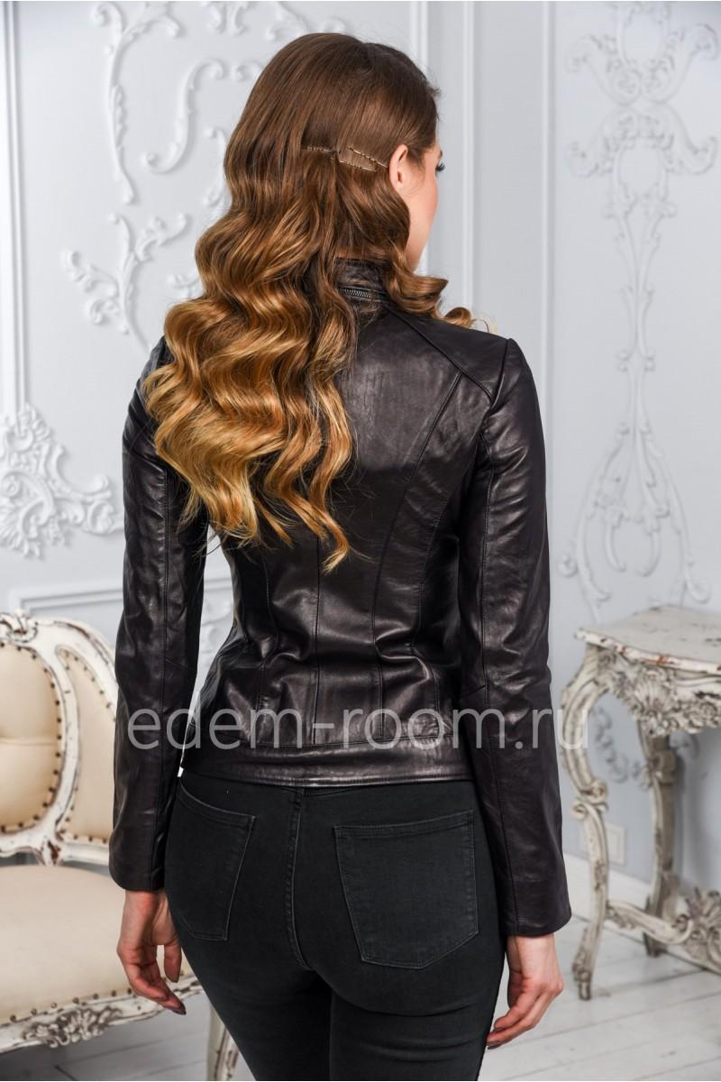 Женская кожаная куртка из натуральной кожи.