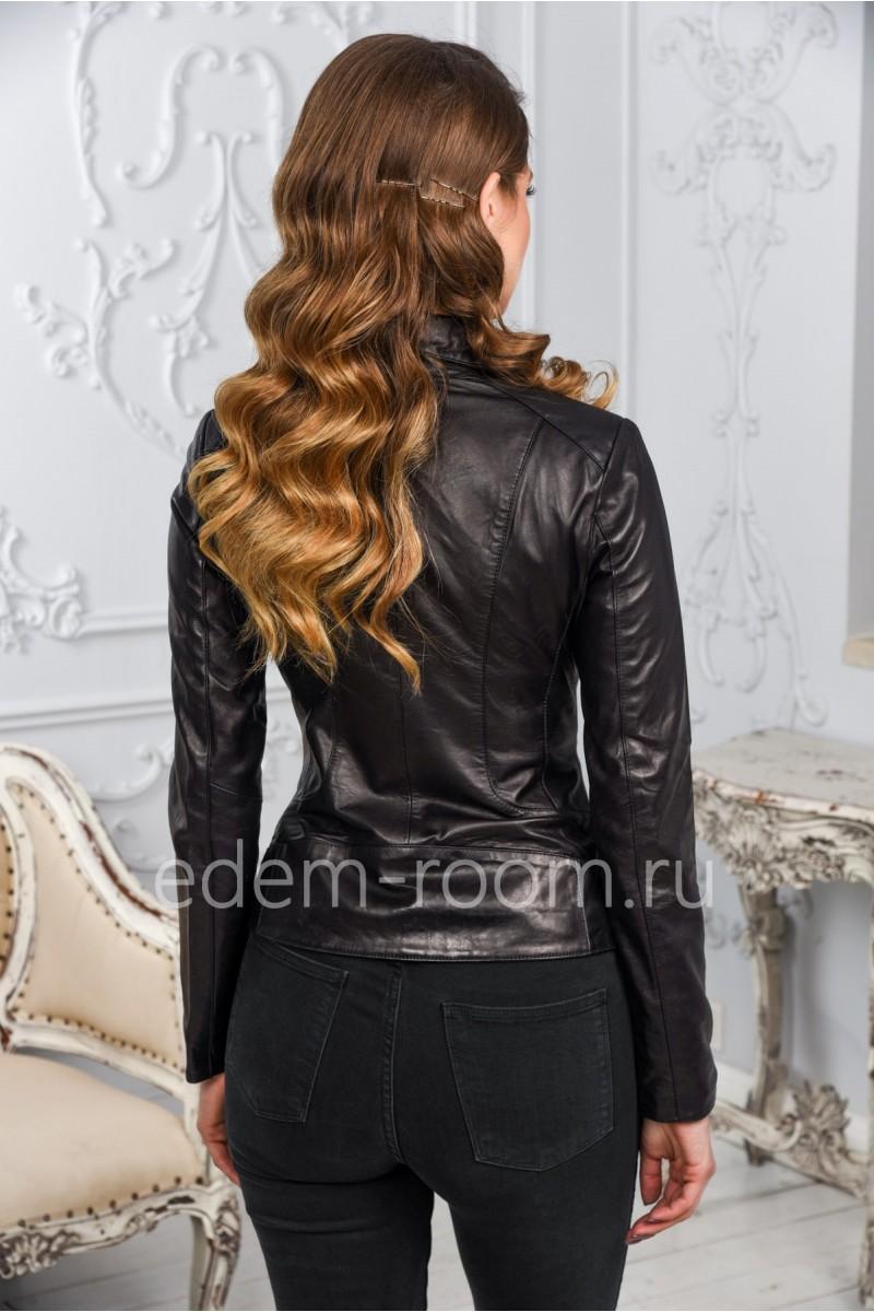 Женская кожаная куртка осенне - весенняя