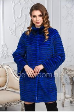 Ярко-синее пальто из меха норки и кролика