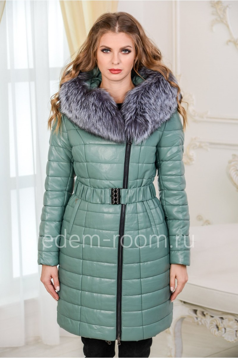 Зимнее пальто из экокожи цвета мяты