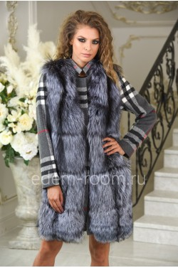 Модное пальто на весну и осень с мехом чернобурки
