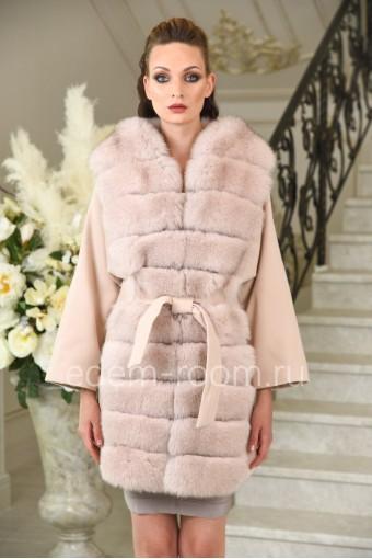 Демисезонное пальто с мехом песца