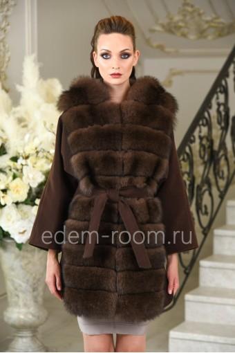 Осенне- весеннее пальто с мехом