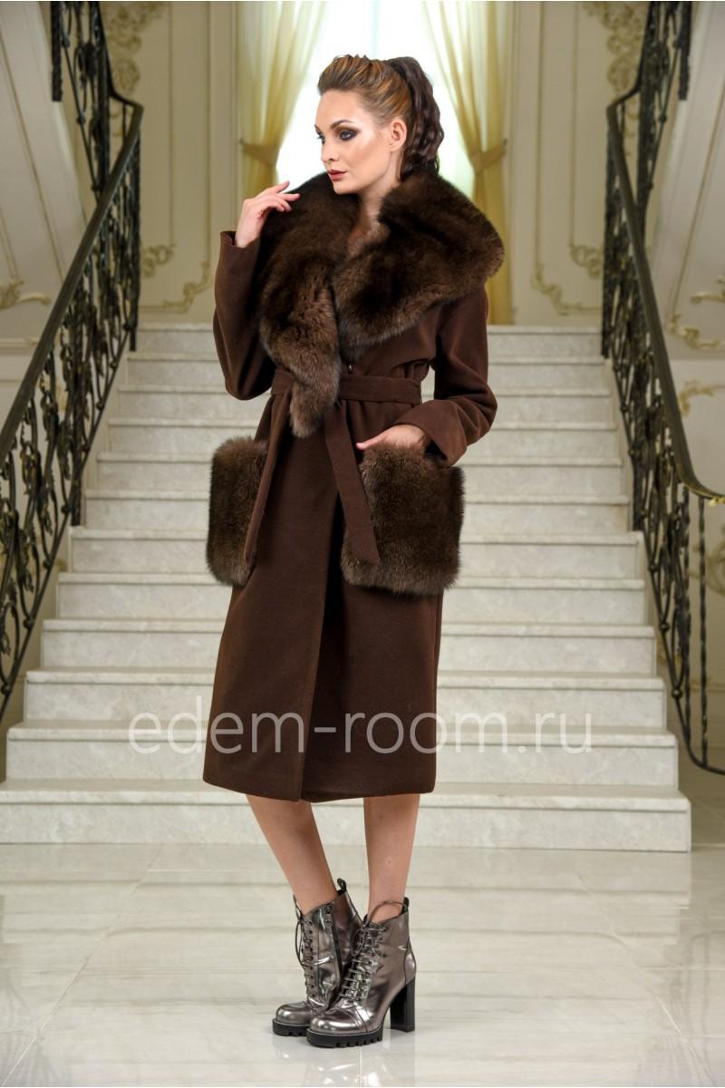 Демисезонное пальто под пояс