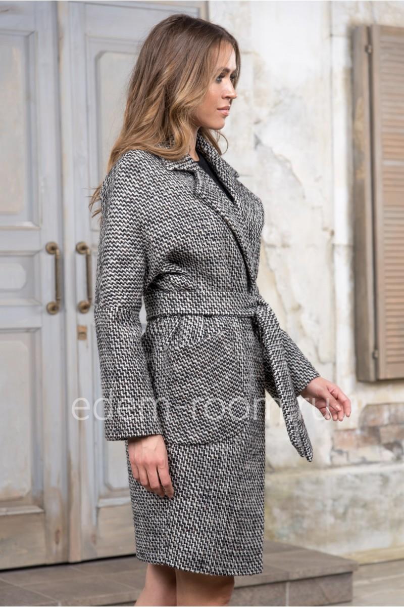 Пальто с поясом на межсезонье