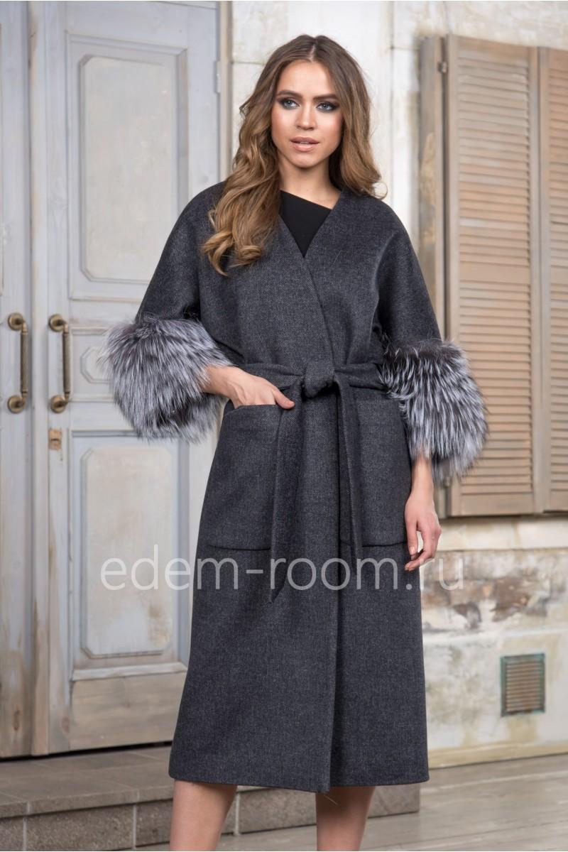 Пальто под пояс с мехом чернобурки