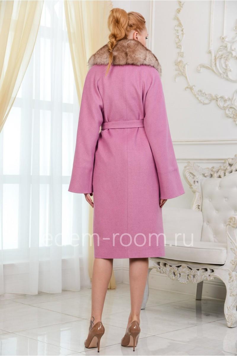 Пальто - халат с меховым воротником