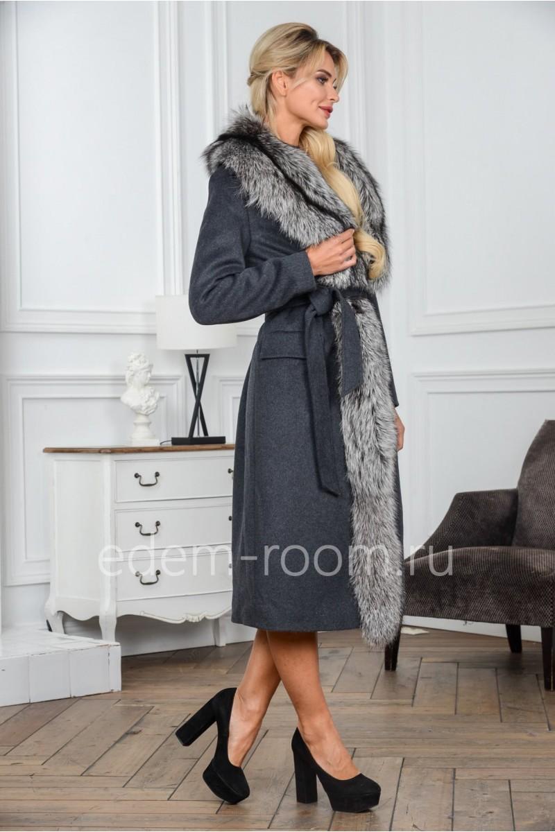 Удлинённое пальто с шикарной лисой