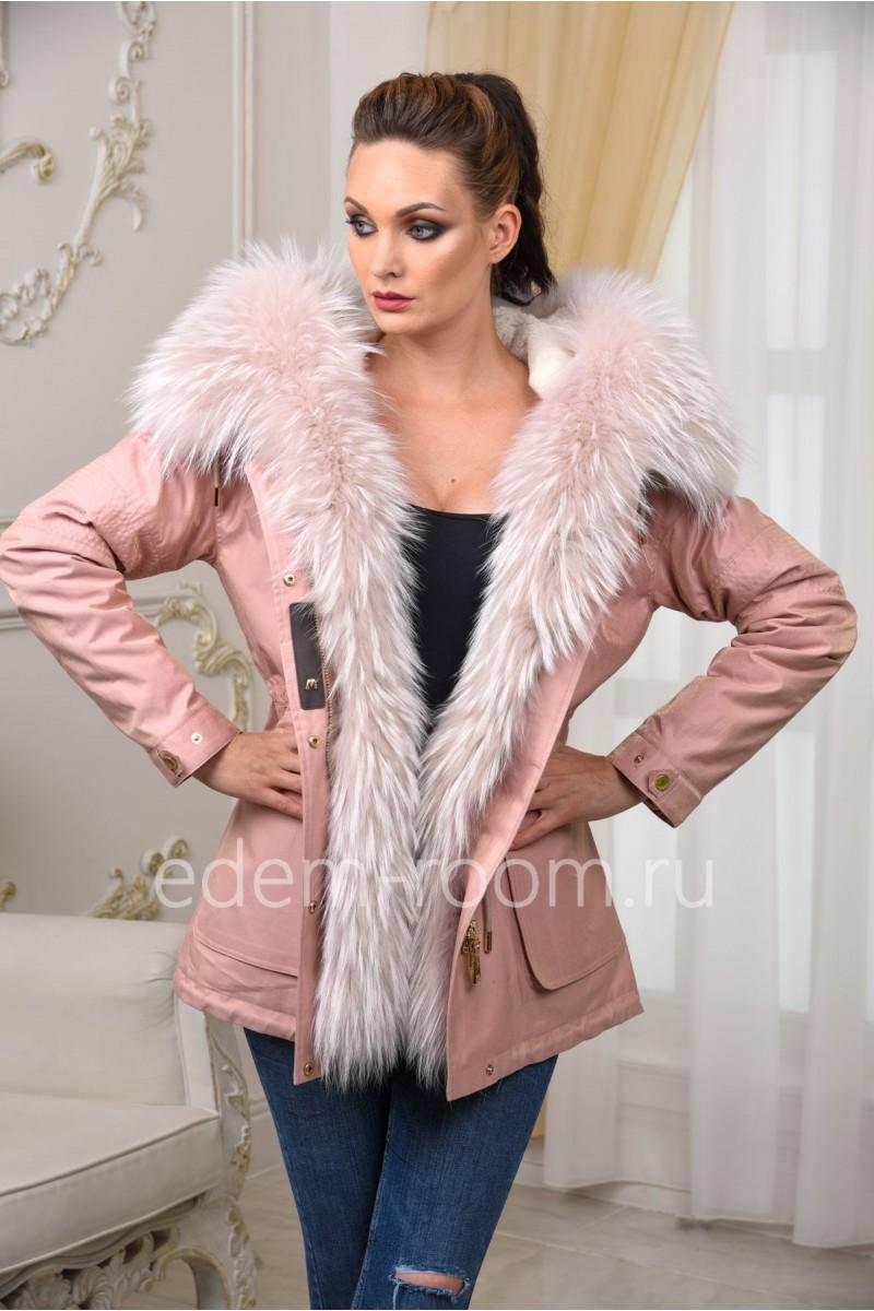 Розовая парка-куртка с капюшоном