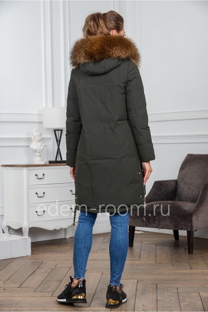 Женский пуховик с накладными карманами