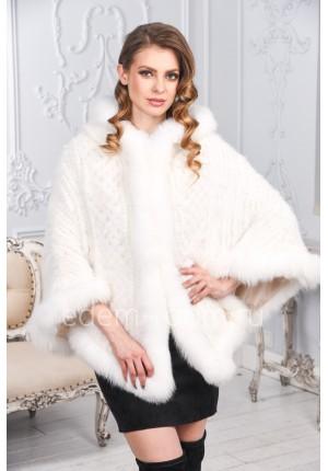 Белое пончо из вязаная норки