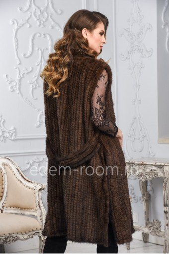 Удлинённый жилет из вязаной норки