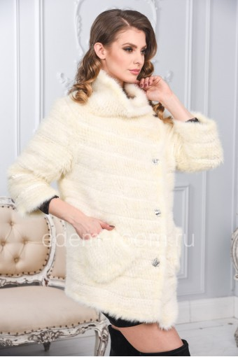 Белая куртка из вязаной норки