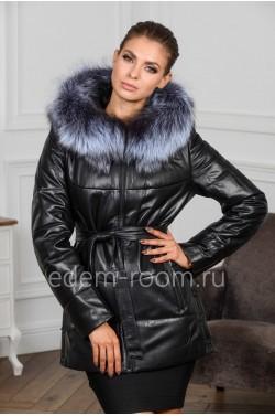 Тёплая кожаная куртка с меховым капюшоном