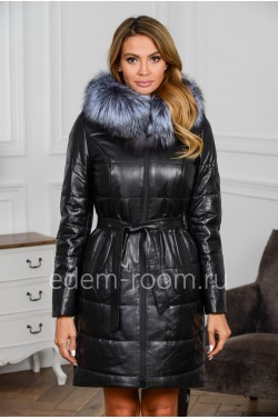 Зимнее кожаное пальто с меховым капюшоном