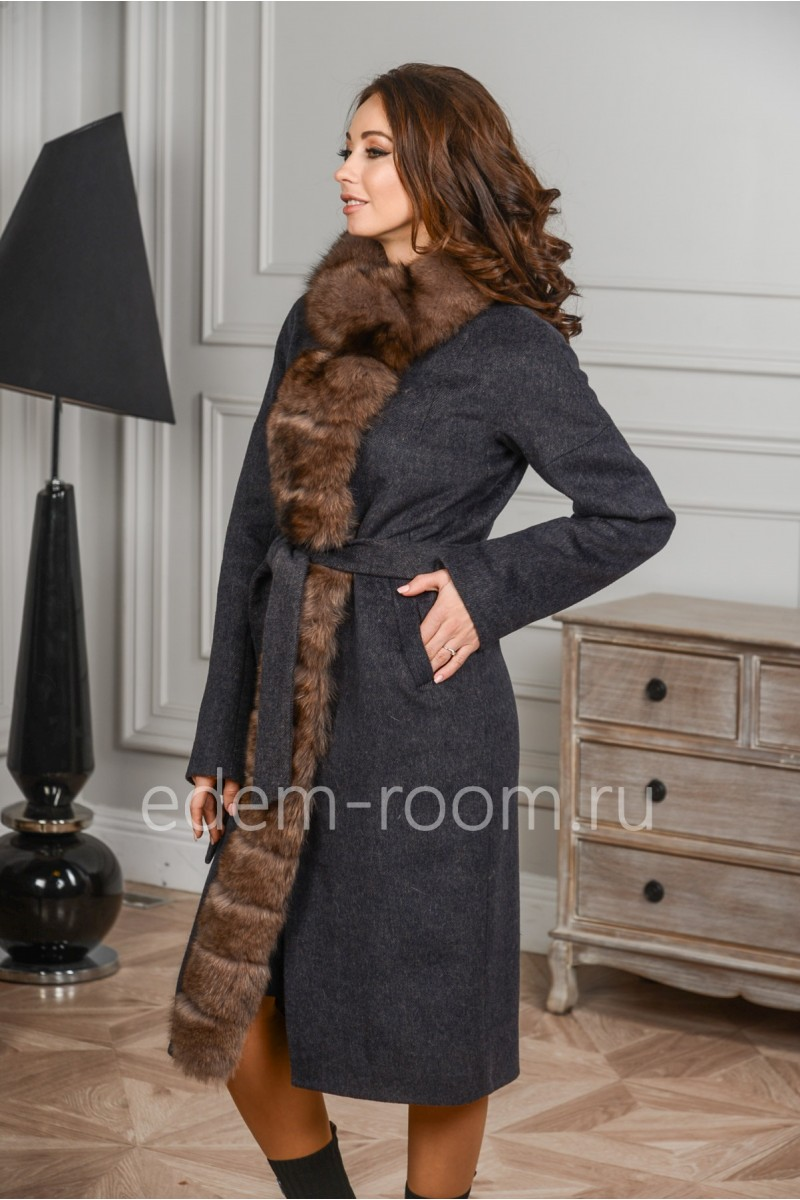 Пальто с меховой планкой