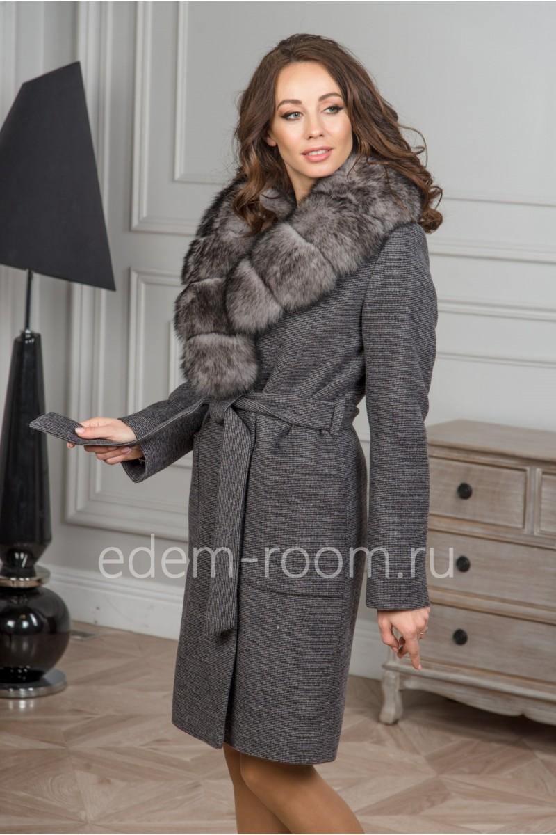 Серое зимнее пальто