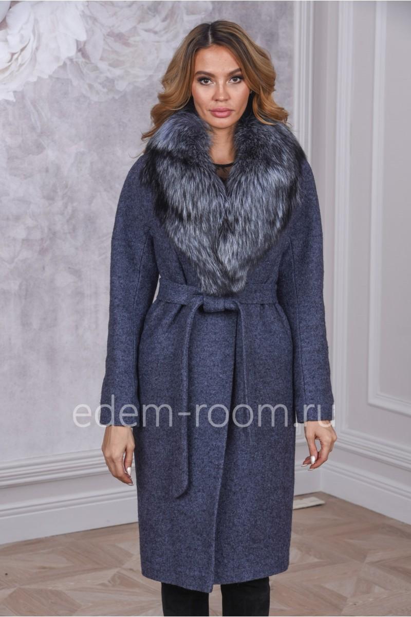 Шерстяное пальто с мехом чернобурой лисы
