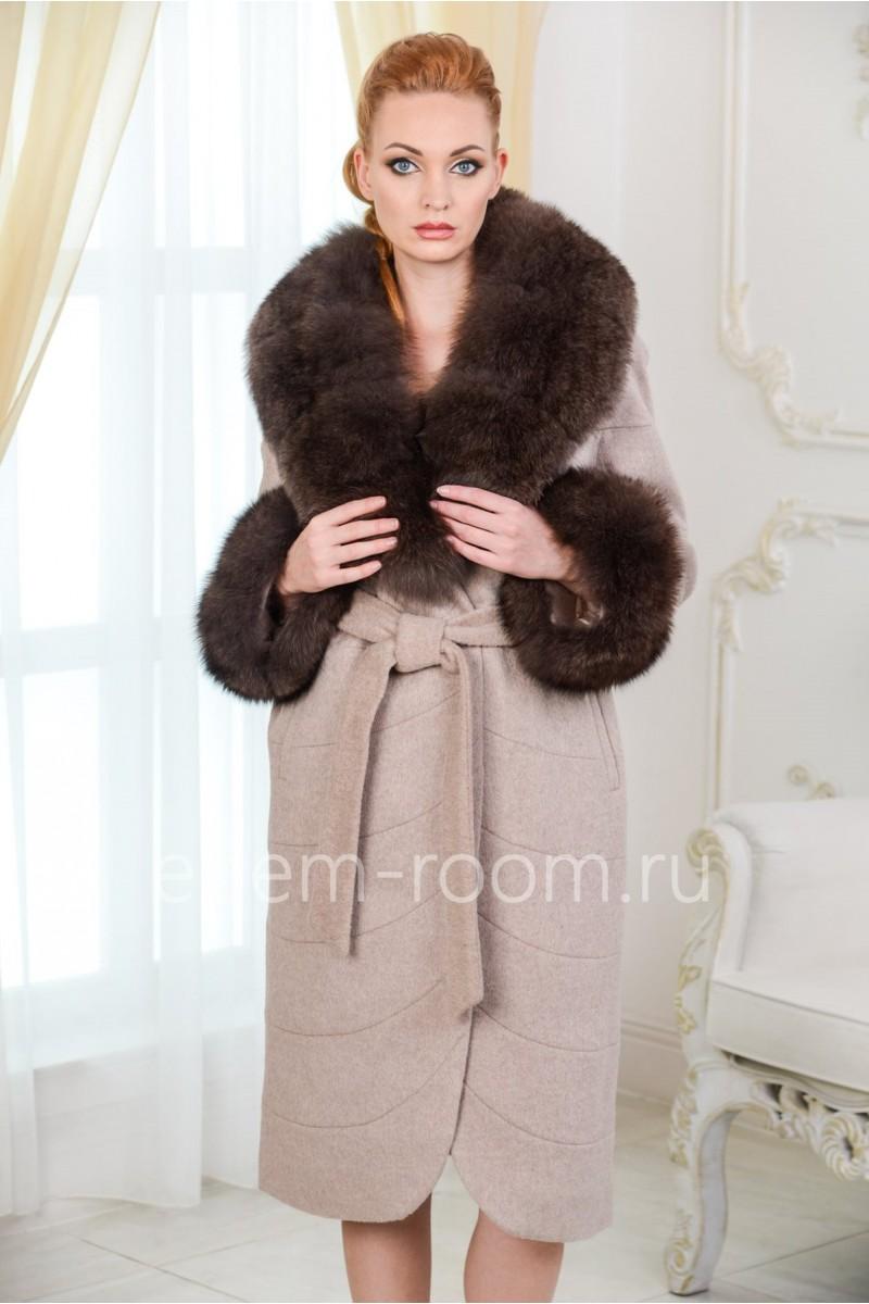 Пальто с мехом утепленное
